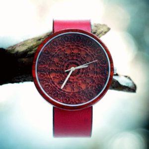 oviwatch-montre-bois-naturel-rouge-cuire
