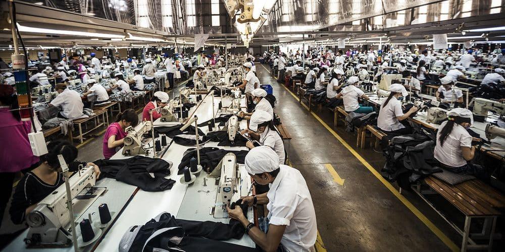 usine-textile-pollution-vetement-free-spirited
